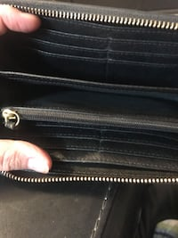 Fossil leather clutch Wristlet,All leather fossil wallet. Barely used. Perfect condition  Kitchener