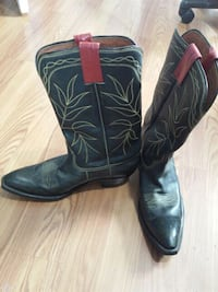Good year black and gold men's cowboy boots  459 mi