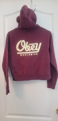 Obey  sweater  3490 km