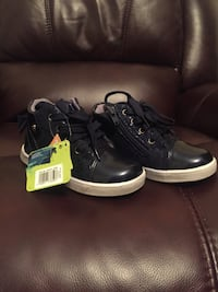 Brand new kid's shoes. Made in Portugal. Size 9 (European 26).  Mississauga, ON L5H, Canada