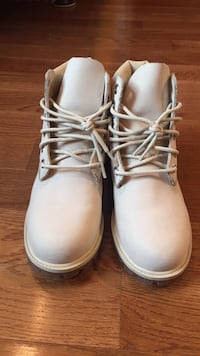 pair of white leather work boots Nokesville, 20181