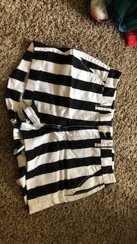 High waisted striped shorts. Size 10 Lincoln, 68522