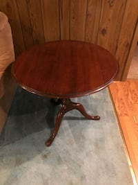 30in round wooden pedestal table *PRICE REDUCED*  Louisa, 23093