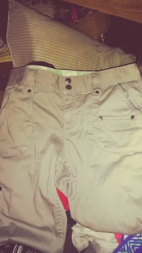 Size 4 juniors never worn Lockland, 45215