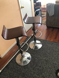 Bar stools / wood and chrome  Henderson, 89011