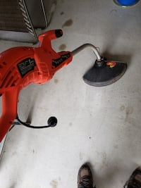 Black & Decker 14inch electric weed whacker  needs spool