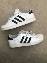 Men's Adidas superstar size 8 Brampton, L6V 5H1