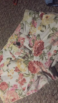 white, pink, and green floral textile size 5 West St. Paul, R4A