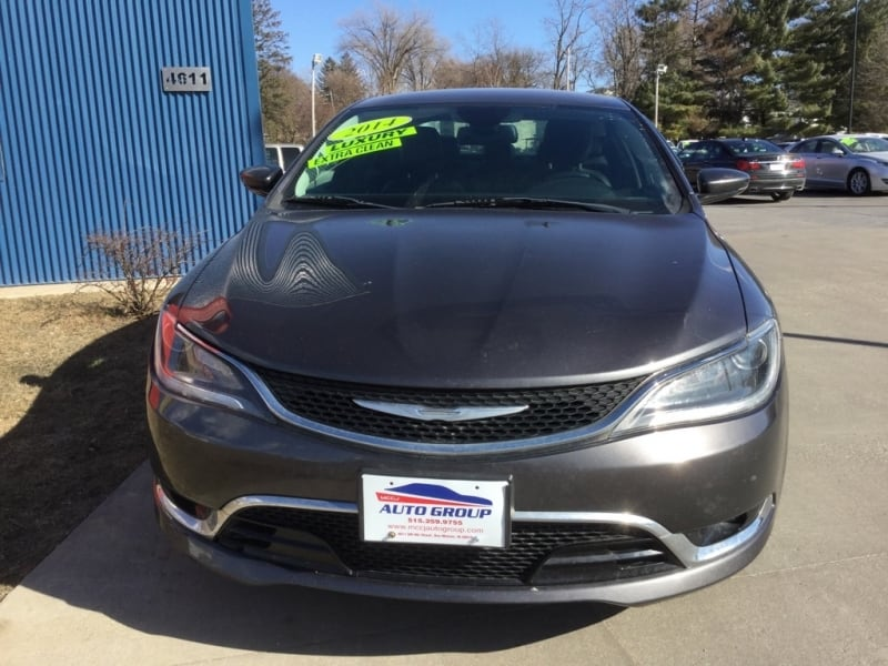 *LOW MILES* *NEW ARRIVAL* 2015 Chrysler 200c -- Ask About Our GUARANTEED CREDIT APPROVAL a085660c-071e-41c7-ad35-09b4533bc737