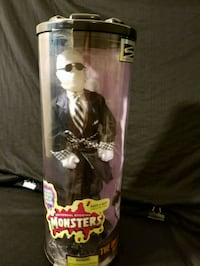 98 Universal Monsters The Invisible Man  Riverside, 92504