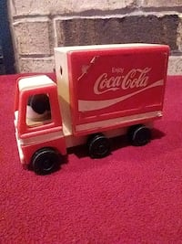 red Coca-Cola box truck toy Des Moines, 50315