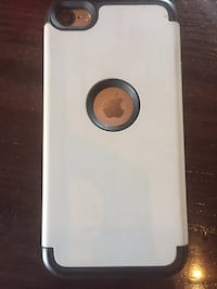 White and black iPod 5 with case Charlotte, 28277