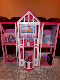 Barbie doll house plastic