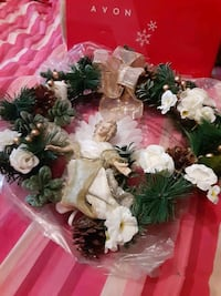 Avon Porcelain Angel Wreath