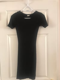 xs dress in black or burgundy- both for 20$! Ottawa, K2G 1T7