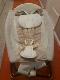 baby's white and gray bouncer Germantown, 20874