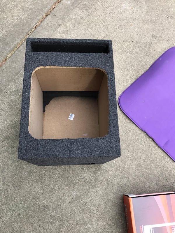 Subwoofer box and amplifier, bunch of other cool stuff: Harmon speakers, etc 636e29db-de48-43f2-8490-a8b2e7632a70