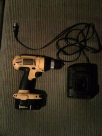Dewalt 14.4v drill with good battery and Charger Waterford, N0E 1Y0