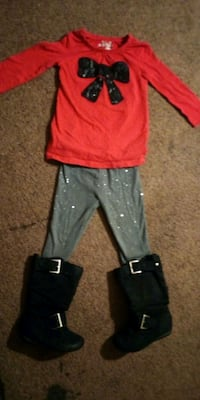 red and black long-sleeved shirt and pants Evansville, 47714