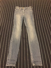NEW Hollister Ultra High Rise Jean Markham, L3R