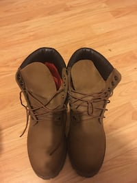 Timberlands size 8.5 Toronto, M6H 2R3