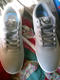 Nike shoes 9.5 brand new never worn Brant, L0R 1A0