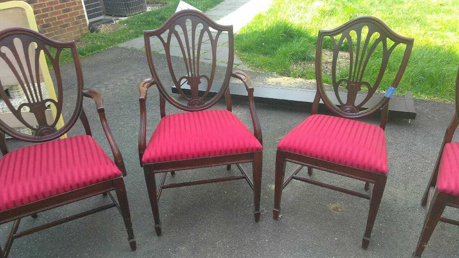 Used Antique dining room table to leave 6 chairs in ...