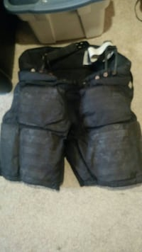 Black goalie hockey pants Thorold, L2V 4R1