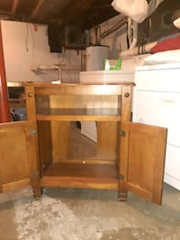 microwave cabinet.       Make me an offer   Woburn, 01801