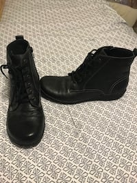 pair of black leather boots Carlisle, 17015