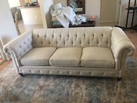 White Chesterfield Sofa - barely used Spring Hill, 34609