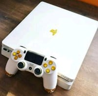 White and Gold Console Houston, 77002