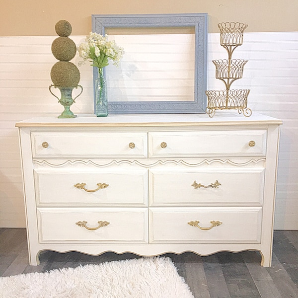 Used French Provincial Broyhill Havertys Dresser White Gold Accents