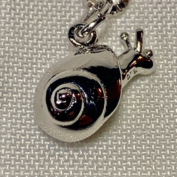 Genuine Sterling Silver Snail Pendant with Sterling Box Chain 9