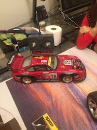 Older retro porche rc car works, 8 AA battery and 1 9volt