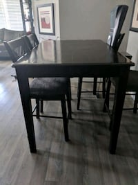 Counter High Table and chairs  Calgary, T3M 0J1