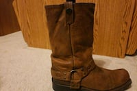 pair of brown leather boots Normal, 61761