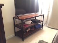 Rustic tv stand and end table  Saint Peters, 63304