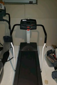 Precor treadmill Maple Ridge, V2W 1Z9
