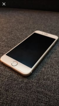 Gold iphone 6 with black case McKees Rocks, 15136