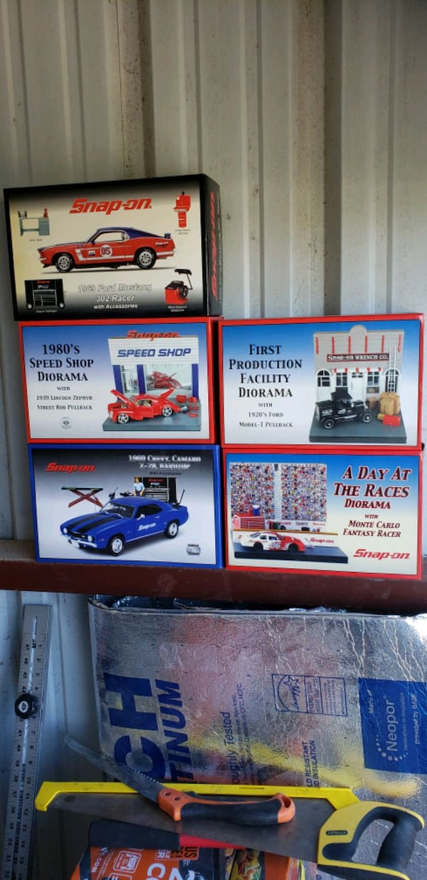 Die cast cars from tool guys (snapon mac) 7c7af21a-d64b-4a8b-8c9e-74e22aa1c96d