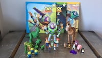 Disney Toys lot of 3 storybooks & 3 large figures plus multiple mini character figurines excellent condition  Laval, H7G
