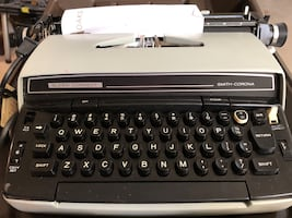 Antique Typewriters asking $50 each. Fort Worth area