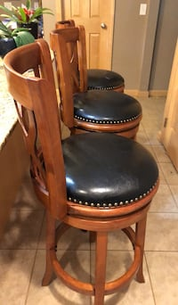 black and brown leather padded chair Eugene, 97404