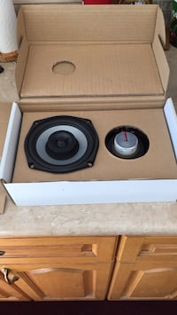Harley speakers Cambridge, N1R 4V8