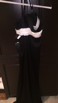 New with tags gorgeous BCBG gown / holiday dress / party dress /wedding dress for bridal party. Size small. Stunning! Bran new with tags. I will consider very serious offers. Laval, H7Y 2C1