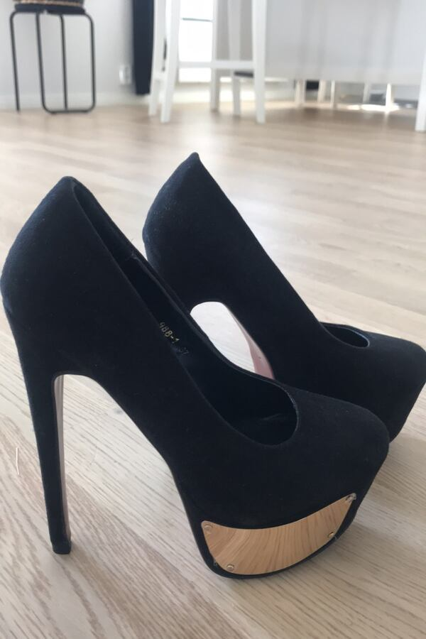 High heels shoes size 37 0