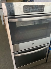 Gray and black induction range oven Woodbridge, 22191