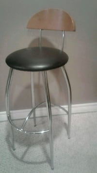 Stool . Excellent condition Kitchener, N2K 4J7
