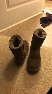 Size 7 ugg boots Stafford, 22554